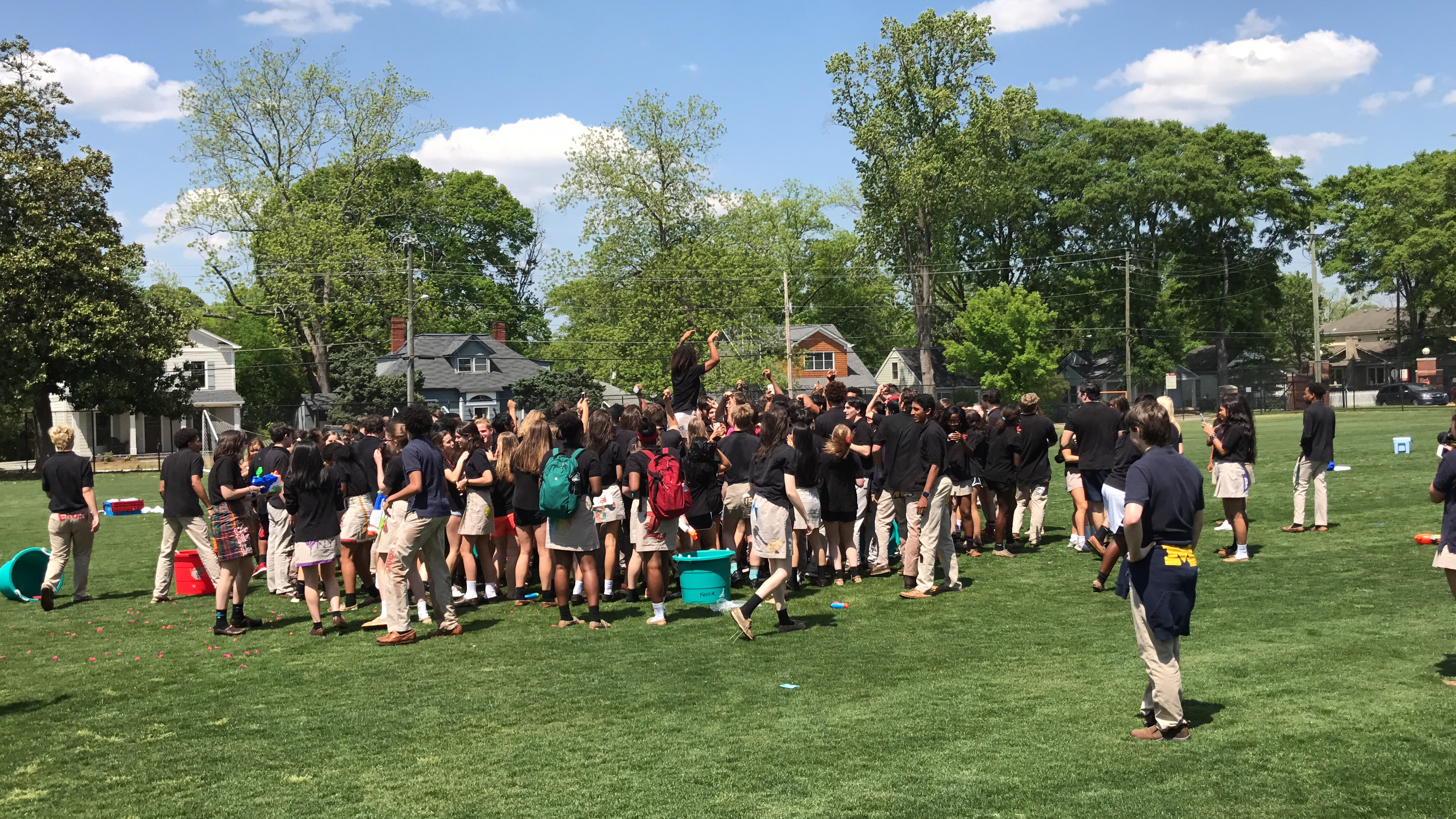 Seniors End Classes With Week of Fun
