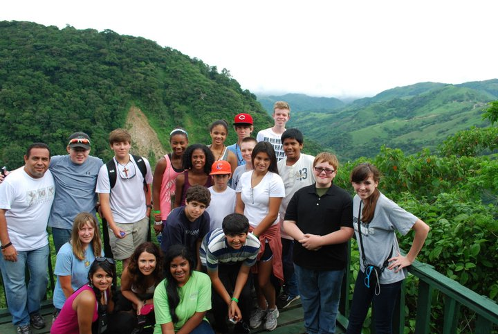 Woodward students in Costa Rica